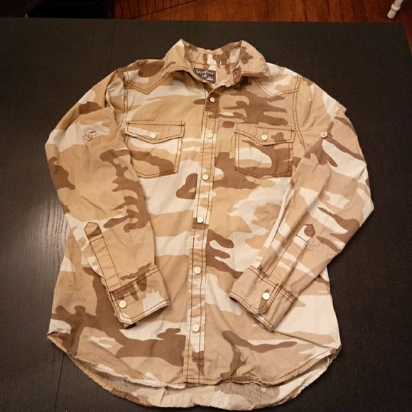 wear first Other - Tan & brown camo button front shirt camouflage